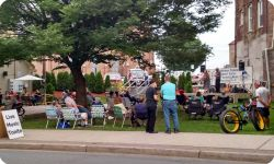 Summer Concert Series - Julie & Ken